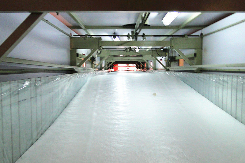 Continuous Low Pressure Foam Machine , Soft Foam Making Machine With R.S. Pulling System